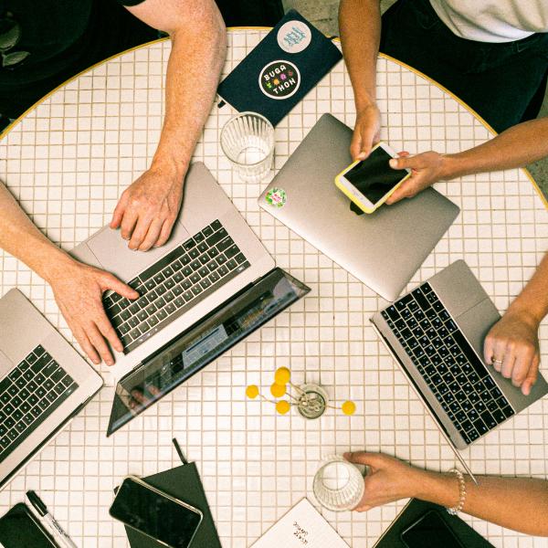 Come stabilire collaborazioni felici tra freelance © Paola-Nosari-Money-Mentor-Business-Strategist-2020